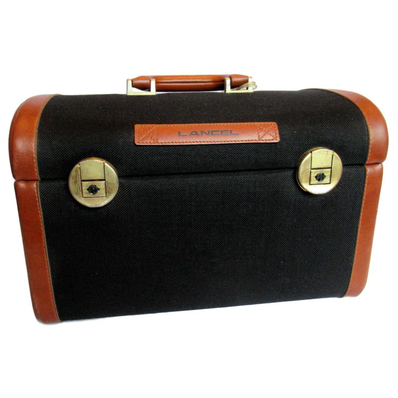d8600ff85a Sacs de voyage Lancel Vanity case Cuir Noir ref.119694 - Joli Closet;
