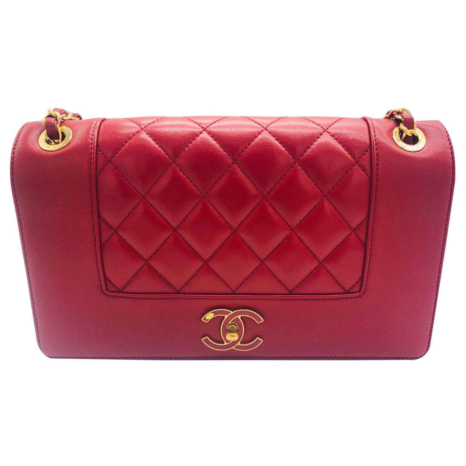 34ae248a730dac Chanel Chanel boy red Handbags Leather Red ref.122468 - Joli Closet