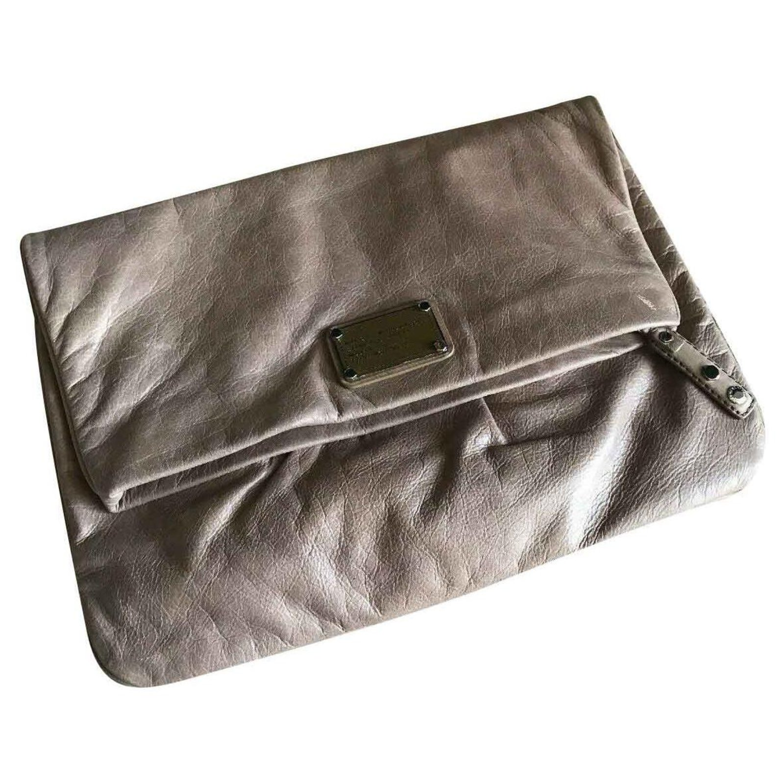 Logically Enroll Surichinmoi  Pochettes Marc by Marc Jacobs Grand pochette Cuir Taupe ref.124888 - Joli  Closet