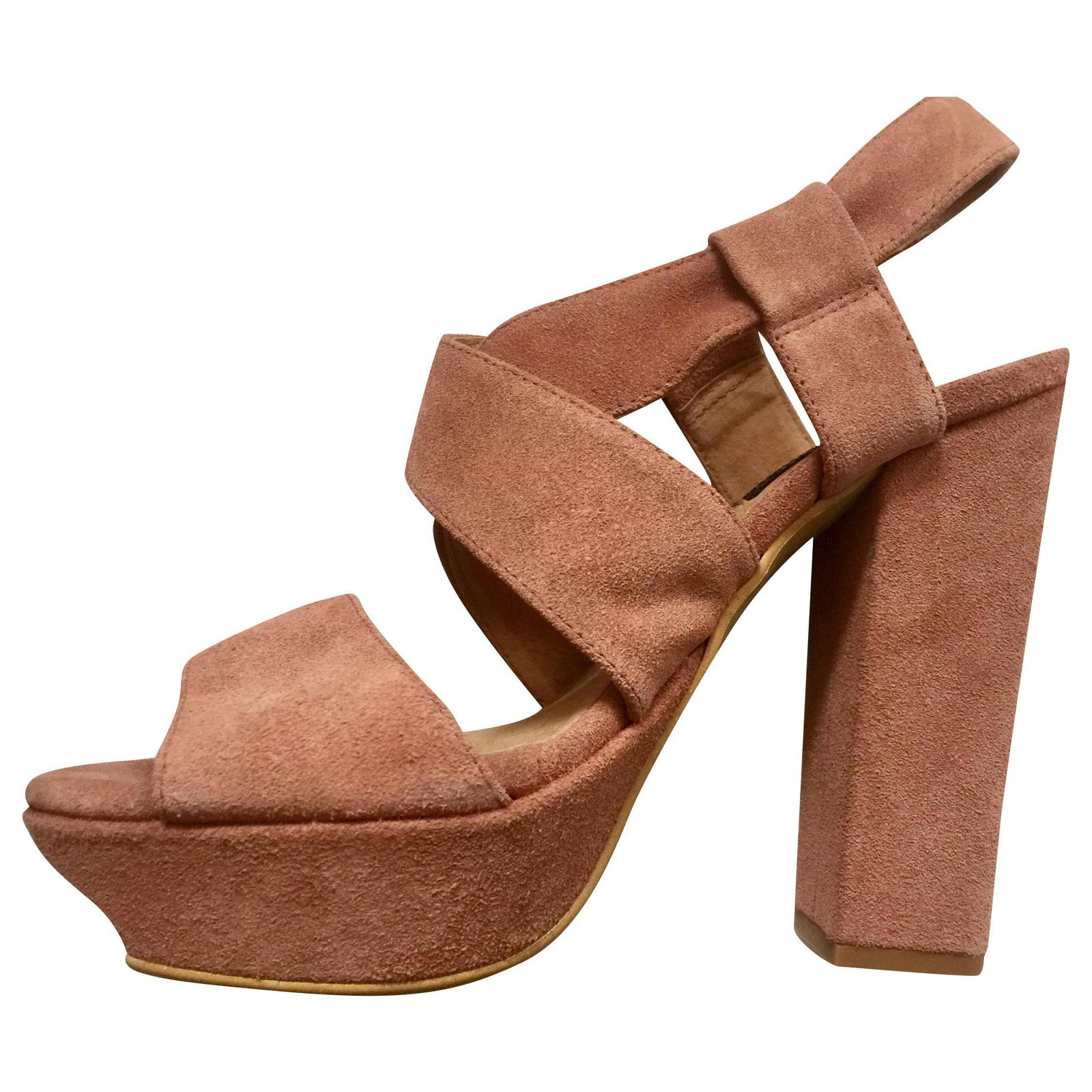 Hobbs Platform heels in dusky pink