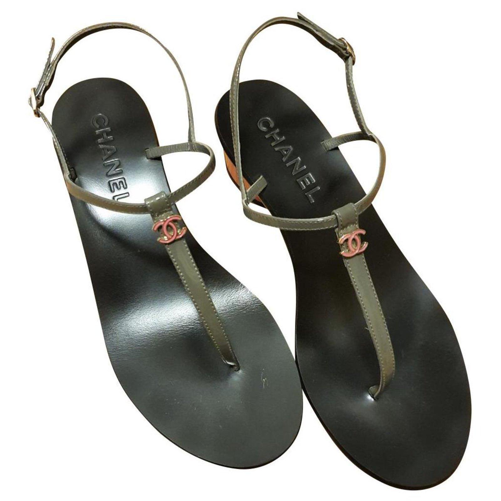Chanel Chanel thong sandals EU38