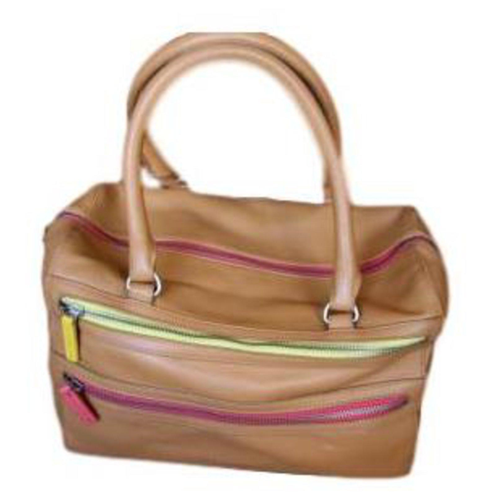 handbag tommy