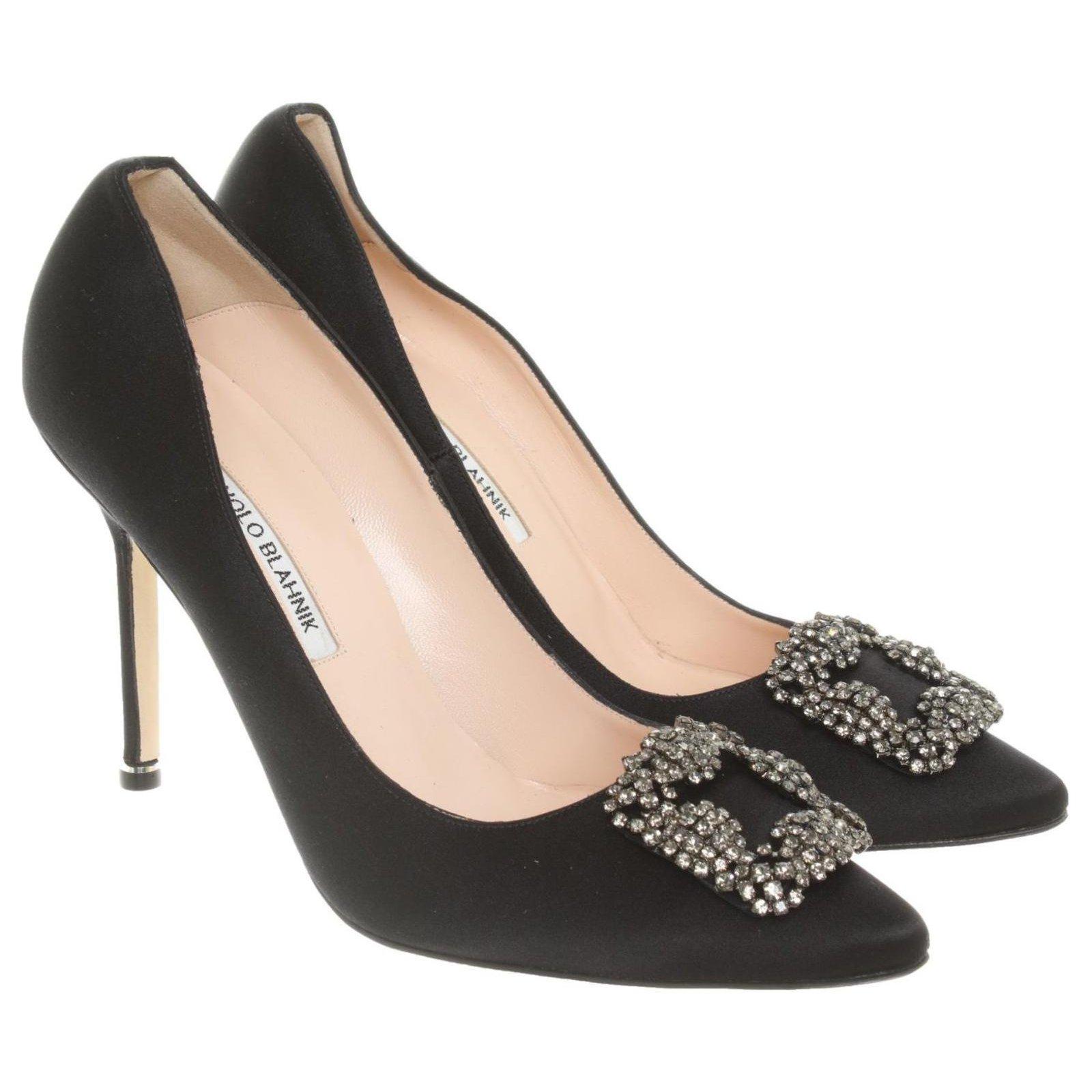 chaussures femmes cher Manolo Blahnik