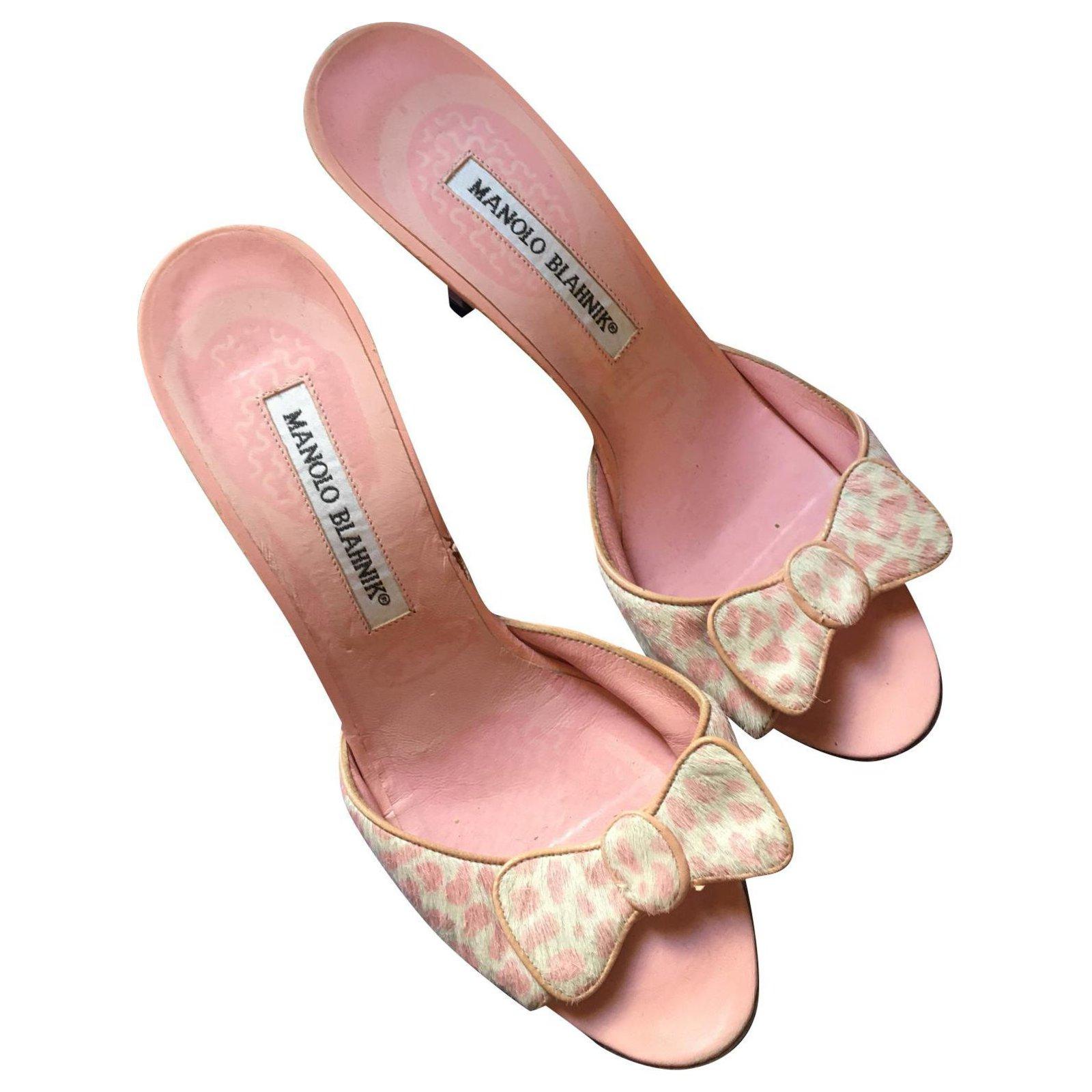 manolo pink heels