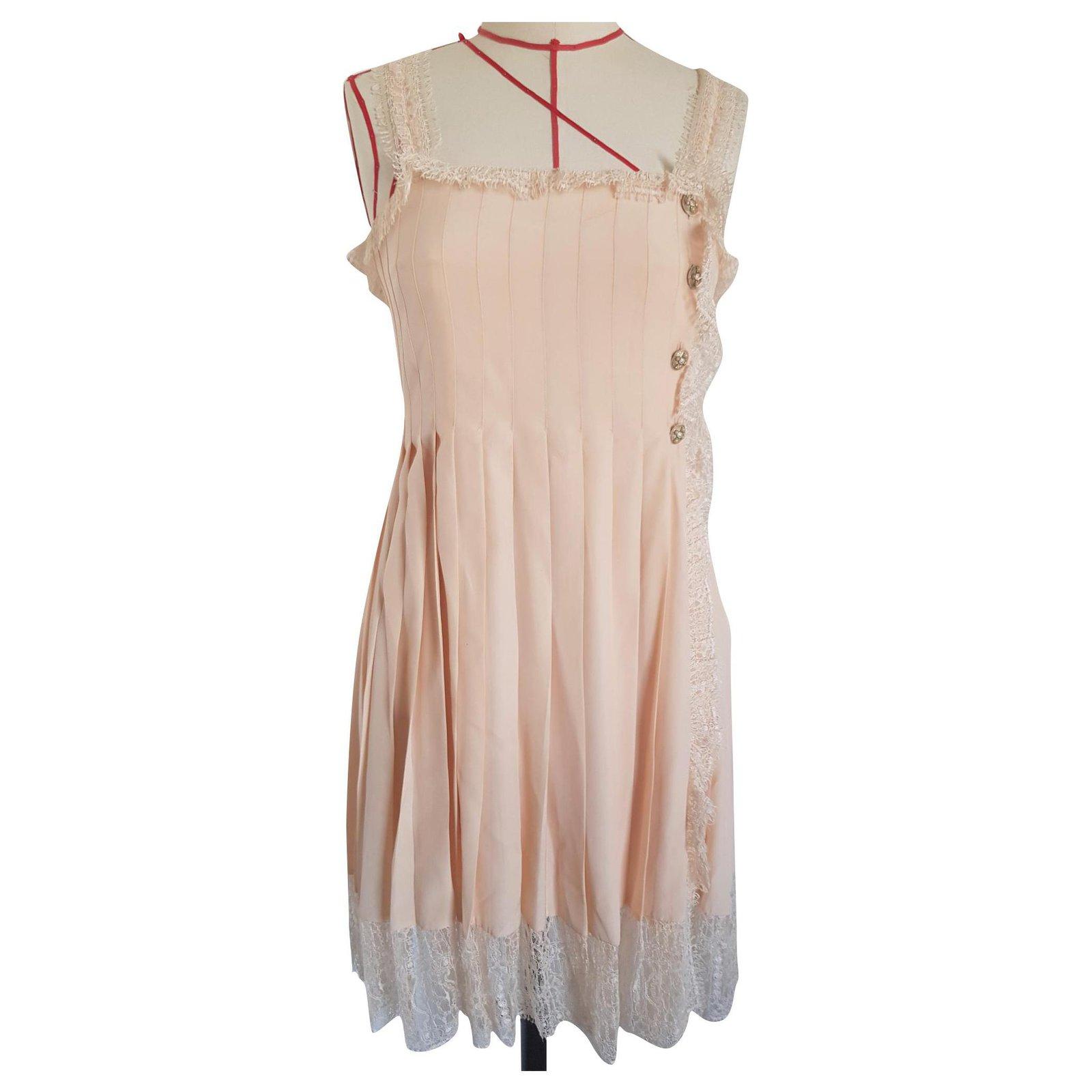 Robes Chanel Chanel Robe En Soie Et Dentelle Soie Autre Ref 192281 Joli Closet