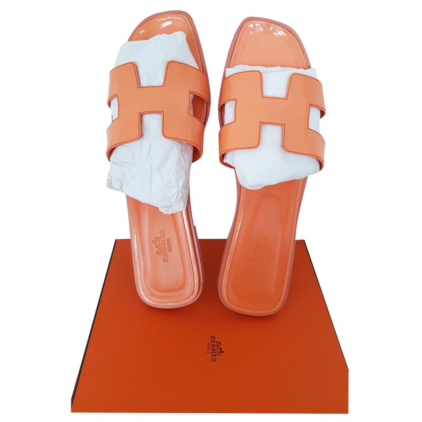 Hermès ORAN VARNISH LEATHER Sandals