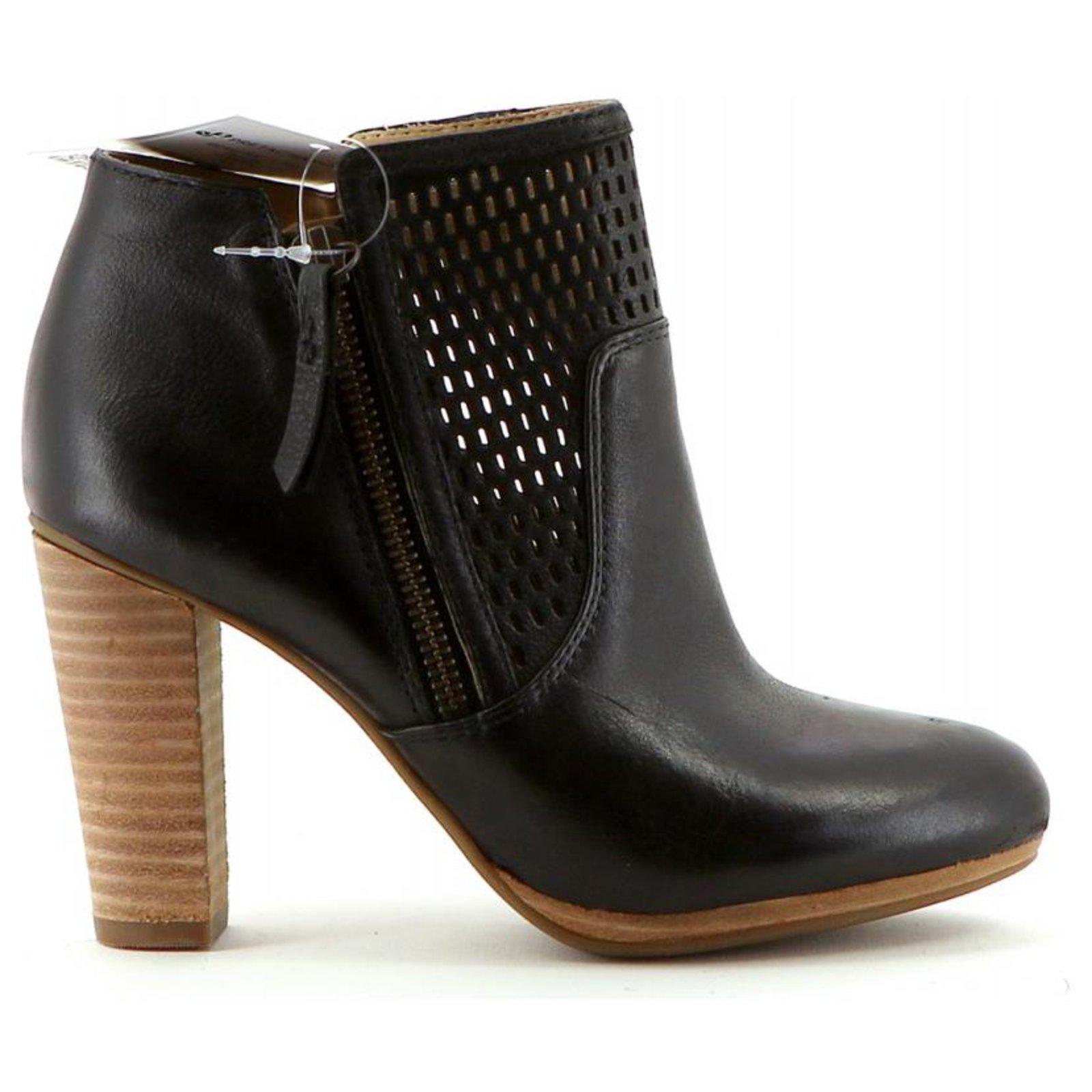 Fangoso Cuatro águila  Geox Ankle Boots / Low Boots Ankle Boots Leather Black ref.202322 - Joli  Closet